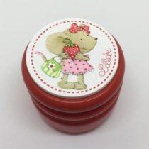 Cajita roja ratona con fresa